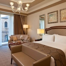 Waldorf Astoria Bedroom